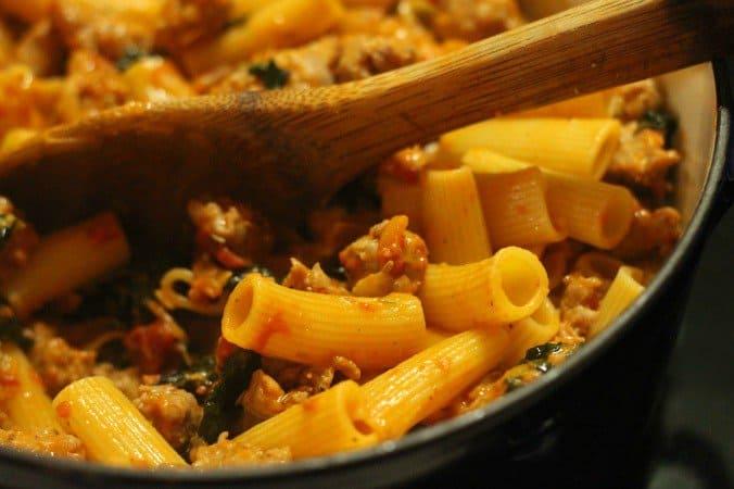 Baby-mac sausage pasta