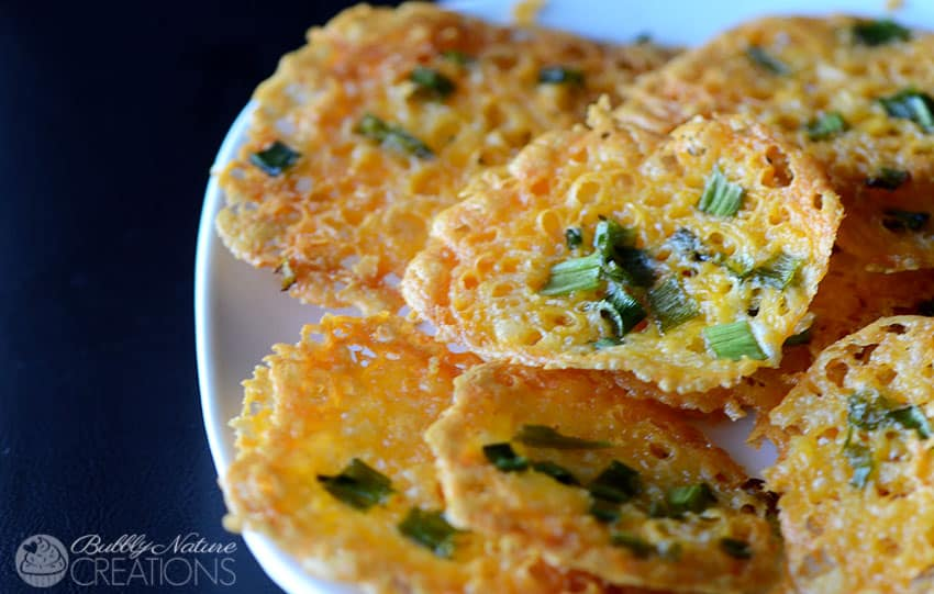 Crispy-Cheddar-Cheese-and-Green-Onion-Chips-Yummy-low-carb-treat-that-is-a-great-sub-for-regular-chips-and-croutons.-Trim-Healthy-Mama-S1